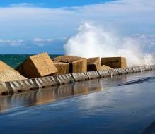 Allerta meteo: domani venti forti e mareggiate