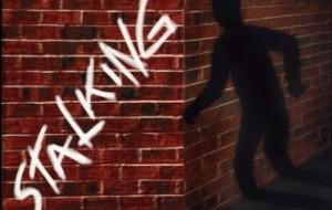 Stalker seriale non si ferma nemmeno davanti ad un provvedimento della Procura: arrestato