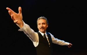 Stasera Beppe Fiorello ed il sogno di Modugno in scena al Nuovo Teatro Verdi