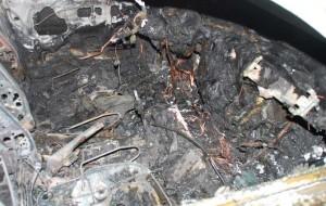 A fuoco autovettura rubata