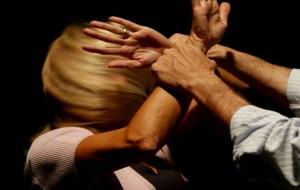 Maltrattamenti in famiglia: nei guai una guardia giurata