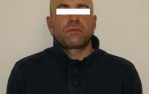 San Vito dei Normanni: forza il controllo e investe un carabiniere, arrestato.