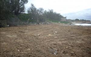 Immobile abusivo ad Acque Chiare: addesso il tratto di spiaggia libera è raddoppiato