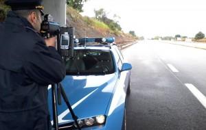 """Al via la """"Speed Marathon"""": controlli a tappeto della Polizia su tutte le strade e le autostrade italiane."""