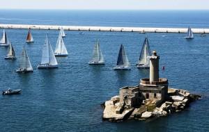 Parte la 34^ Brindisi-Corfù con lo spettacolo delle Frecce Tricolori. Diretta su Canale 85 e Ciccio Riccio