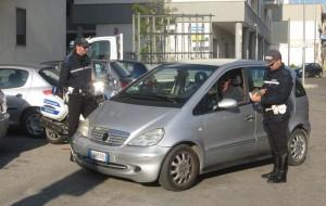 Controlli della PM di Brindisi: multa per un'auto su due!