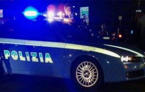 Pugno a poliziotto durante un controllo: arrestato rumeno