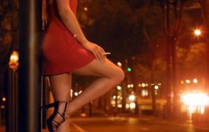 Offrivano sesso per derubare anziani: fermate due rumene