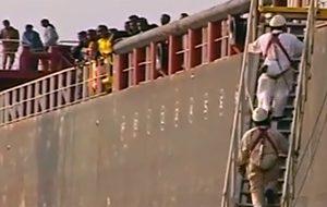 Domani arriva a Brindisi una nave inglese con 250 migranti soccorsi al largo della Libia