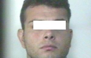 Picchia pensionato e lo manda all'ospedale per trauma cranico: arrestato 31enne