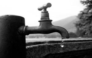 Acqua e fogna sulla costa e nelle contrade, gli impegni dell'autorità idrica pugliese e di AQP