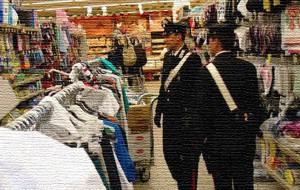 Rubano merce al supermercato: fermate dai carabinieri all'uscita