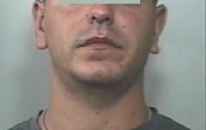 Spaccia droga dagli arresti domiciliari: 28enne trasferito da casa al carcere