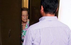 Si presenta come medico dell'Asl e ruba1.300 euro ad una pensionata: denunciata 22enne
