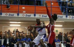 New Basket Brindisi-Varese=69-71. La photogallery di Maurizio Pesari