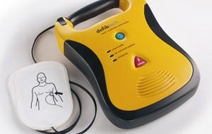 """La Fondazione """"BPP – Giorgio Primiceri"""" dona 40 defibrillatori agli istituti scolastici"""