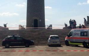 13 lavoratori di Ecotecnica protestano al Monumento al Marinaio