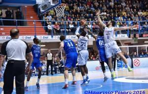 New Basket Brindisi-Cantù=86-68 Photogallery di Maurizio Pesari