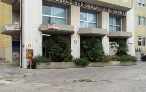 """Colpo di mano per chiudere il Laboratorio di Patologia Clinica distrettuale del """"Di Summa"""" di Brindisi"""