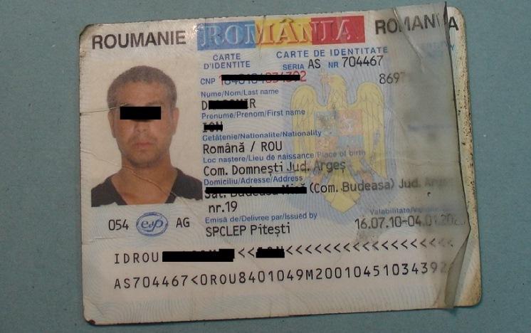 In giro con carta d identit falsa arrestato rumeno for Carta di soggiorno documenti