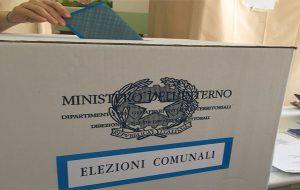 Aperti i seggi per il ballottaggio: si vota fino alle 23.00 a Mesagne ed Ostuni