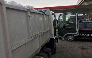 Camioncino rifiuti fermato e sequestrato dai Carabinieri:  Ecologica Pugliese non ha pagato l'assicurazione