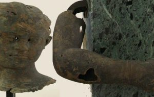 """I Bronzi di Brindisi di nuovo al completo: rientrati a casa testa e braccio della """"bambina"""" di Punta del Serrone: erano esposti alla Galleria degli Uffizi di Firenze"""