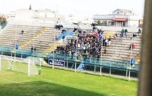 Tifosi del Brindisi sorpresi a frequentare il loro club: sanzione anti-covid per sei ultras