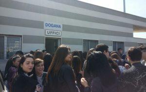 L'Agenzia delle Dogane di Brindisi apre i suoi uffici agli studenti del Commerciale Marconi-Flacco