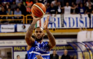 Fantastica New Basket Brindisi: batte Brescia e punta ai playoff