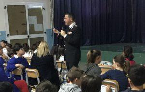 i carabinieri incontrano gli alunni del Secondo I. C. di Francavilla F.na