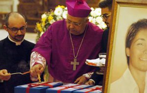 Duomo gremito per l'ultima tappa verso la beatificazione di Matteo Farina