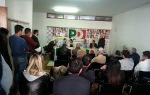 Convenzioni PD: quando mancano i risultati di quattro Comuni è avanti Renzi, Orlando supera Emiliano