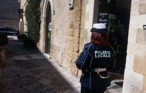 Deposito rifiuti: giro di vite della Polizia Municipale sulle attività commerciali