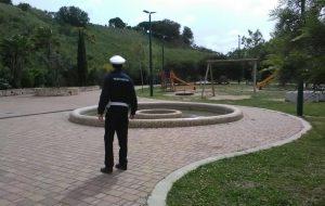 Segnalati due cretini che fanno motocross ad alta velocità nel Parco Cillarese: interviene la Polizia Municipale