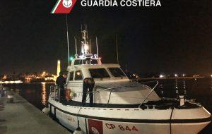 Peschereccio in avaria al largo di Brindisi soccorso dalla Guardia Costiera