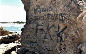 I vandali a Torre Guaceto: danneggiata una duna fossile