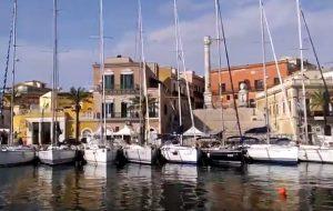 Brindisi-Corfù: il video dello spettacolare schieramento di imbarcazioni nel Porto di Brindisi