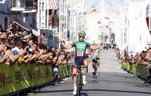 Il trevigiano Gianluca Milani vince a Ceglie il Campionato Italiano di Ciclismo su strada Èlite. Domani tocca agli under 23