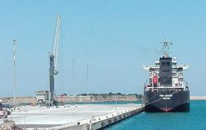 Accumulo idrogeno nelle stive di una cisterna: allarme rientrato nel porto di Brindisi