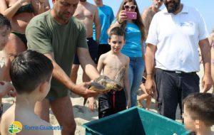 Il salvataggio di una tartaruga attraverso gli occhi di un bambino