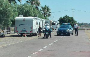 """Accampamento nomadi al Centro """"Le Colonne"""": interviene la Polizia Municipale"""