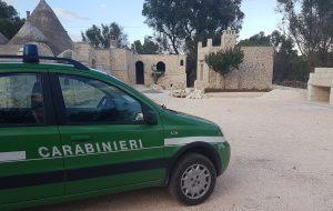 Opere abusive nelle campagne cegliesi: denunciati proprietario ed operaio