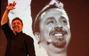 Gabriele Cirilli porta sul palco del Teatro Roma lo spettacolo #TaleEQualeAME… Again