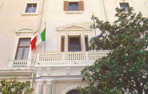 Sospesi i sindaci di Villa Castelli e Torchiarolo