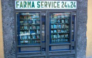 Ruba soldi da distributore automatico di parafarmaci