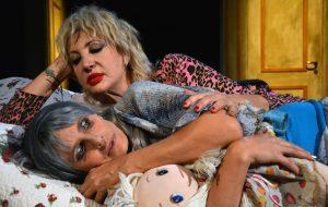 Prima di stagione al Teatro Verdi di Brindisi: aprono Isabella Ferrari e Iaia Forte con «Sisters»