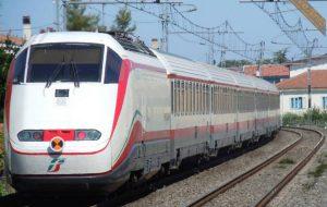 Frecciabianca fermato ad Ostuni: salvo per miracolo l'uomo coinvolto nell'incidente ferroviario