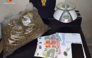 In casa 443 grammi di marijuana: arrestato 34enne