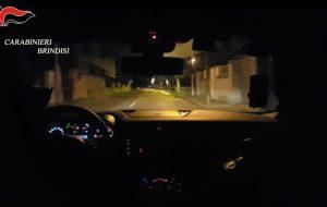 21 persone arrestate all'alba dai Carabinieri: tutto è partito da una rapina da 13mila euro: VIDEO